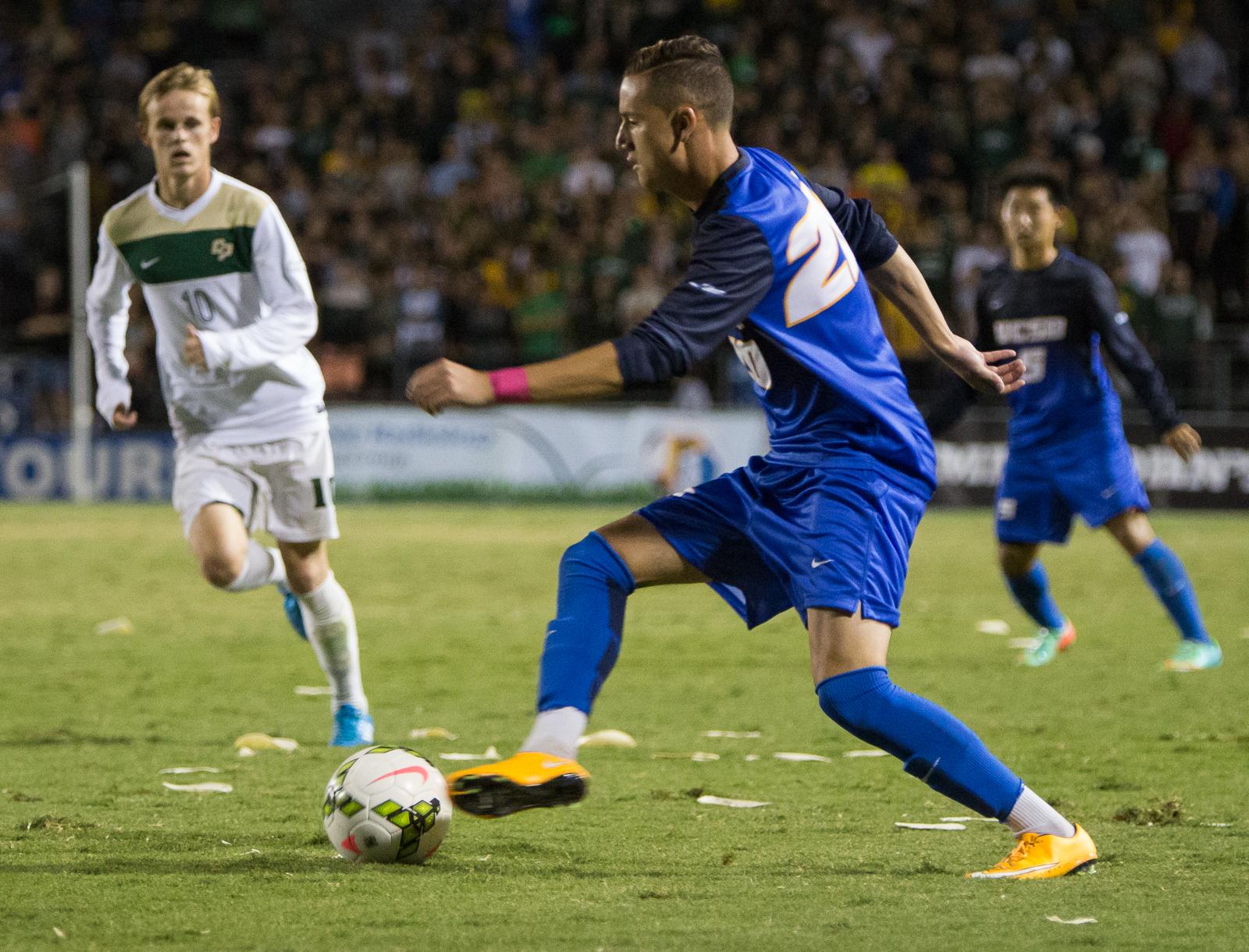 M Soccer v Cal Poly_Dustin Harris_for 10.27.2014-12