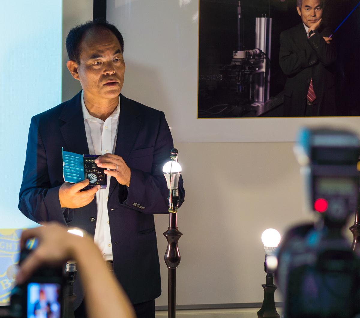 Shuji Nakamura Nobel Prize Winner_10.07.2014_John Clow-1