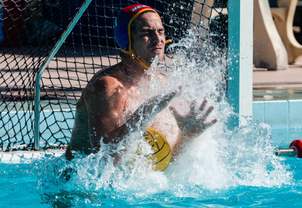 Goalkeeper Chris Whitelegge makes a save during UCSB's loss to Pepperdine on Saturday afternoon. (Eric Swenson/Daily Nexus)