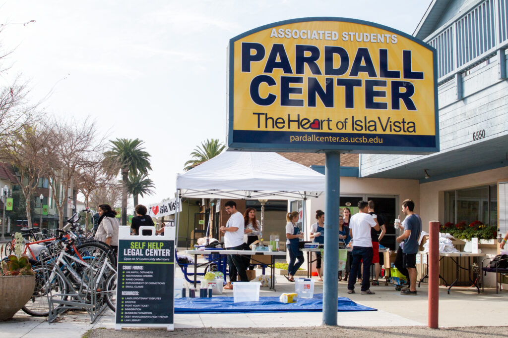 Isla Vista Tenants Union gave out food and hosted a tie-dye event last Friday as part of their continuing campaign against Majestic Management, LLC. Brendan Mansfield/Daily Nexus