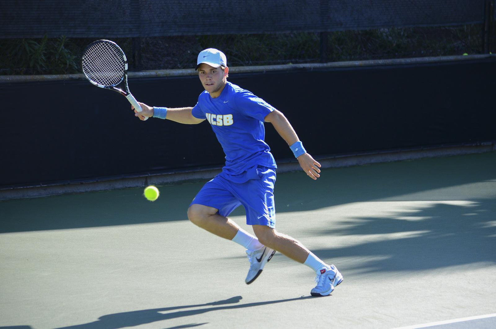 Tobias Galskov runs to hit the ball to his opponent. Christina DeMarzo/Daily Nexus