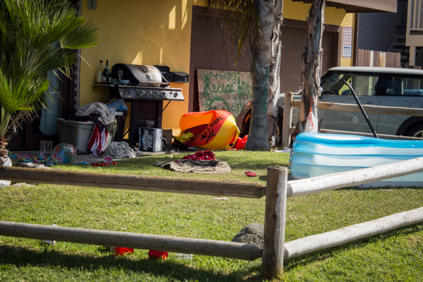 The festival did not end without leaving a mess, such as this house on Del Playa. Alex Gonzalez/Daily Nexus