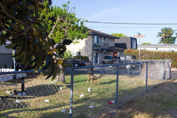 Houses such as this one on the corner of Camino del Sur and Pasado were left trashed. Sarah Kouklis/Daily Nexus