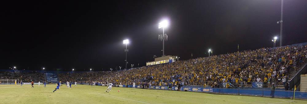 Harder Stadium filled 14,919 seats on Saturday night. Dustin Harris/Daily Nexus