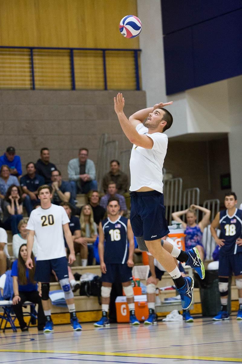 Drew Pion jump serves the ball into play. Dustin Harris/Daily Nexus