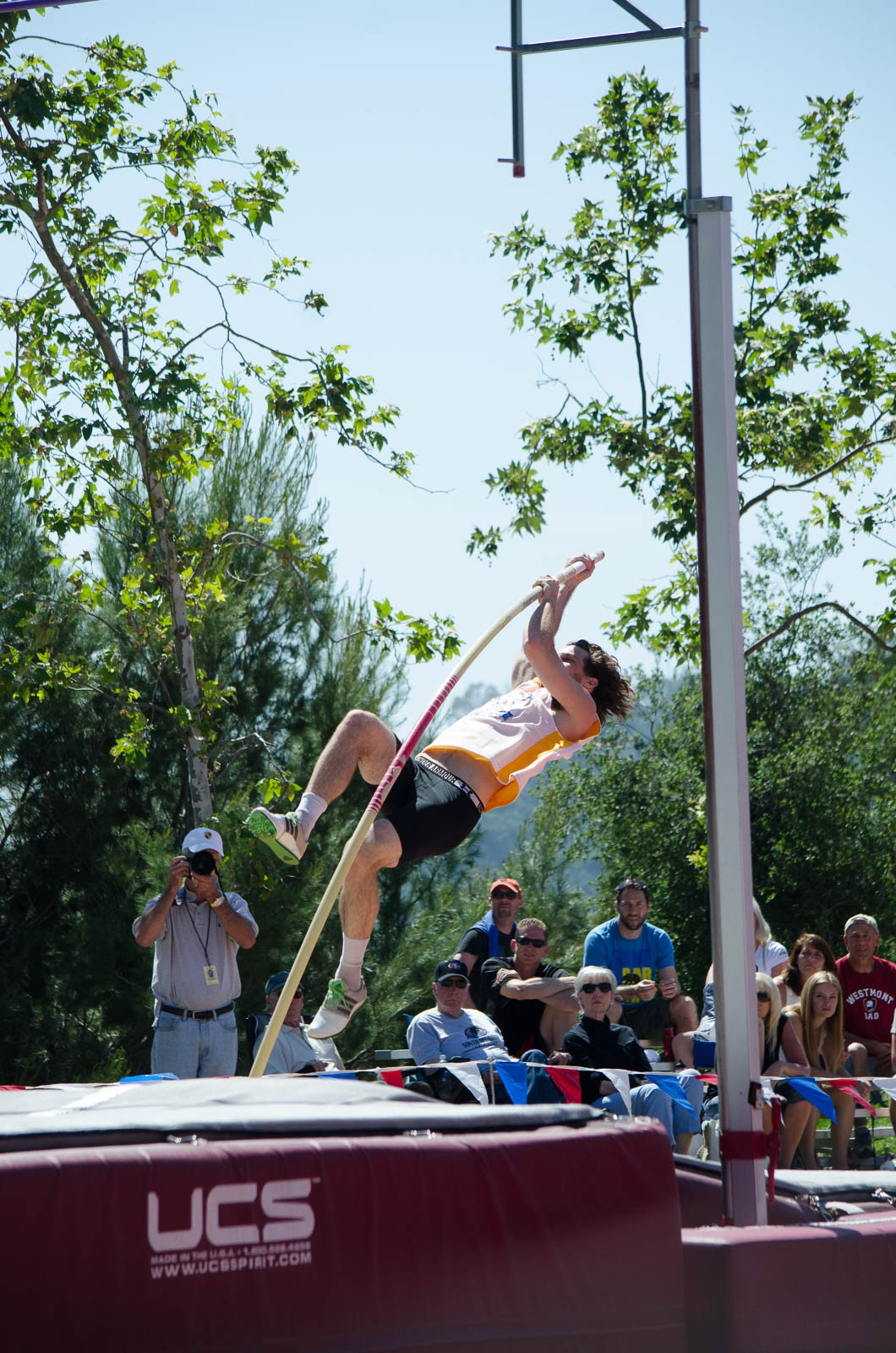 During the decathlon, Tyler Nelson competes in pole vaulting. Christina DeMarzo / Daily Nexus