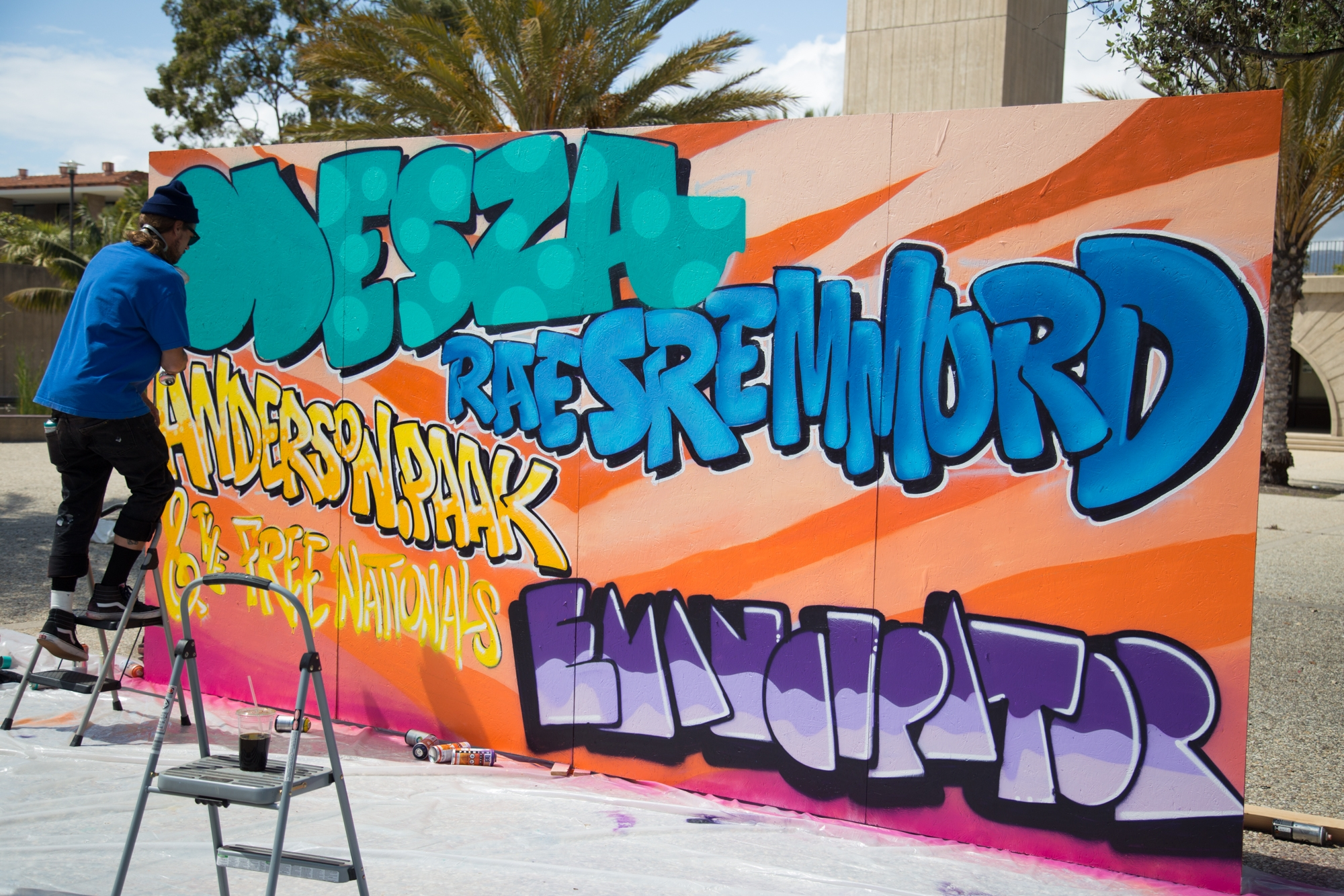 The full Extravaganza 2016 lineup was announced via live graffiti Thursday afternoon. Jenny Luo / Daily Nexus