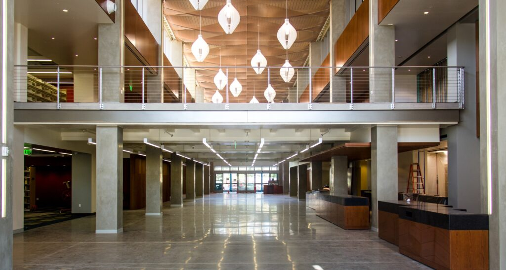 The UCSB Library opened its new building in January 2016. The new addition was significantly sleeker and more modern, featuring new lighting, new academic centers, larger seating areas and a daytime café. Photo Courtesy of Karen Lindell